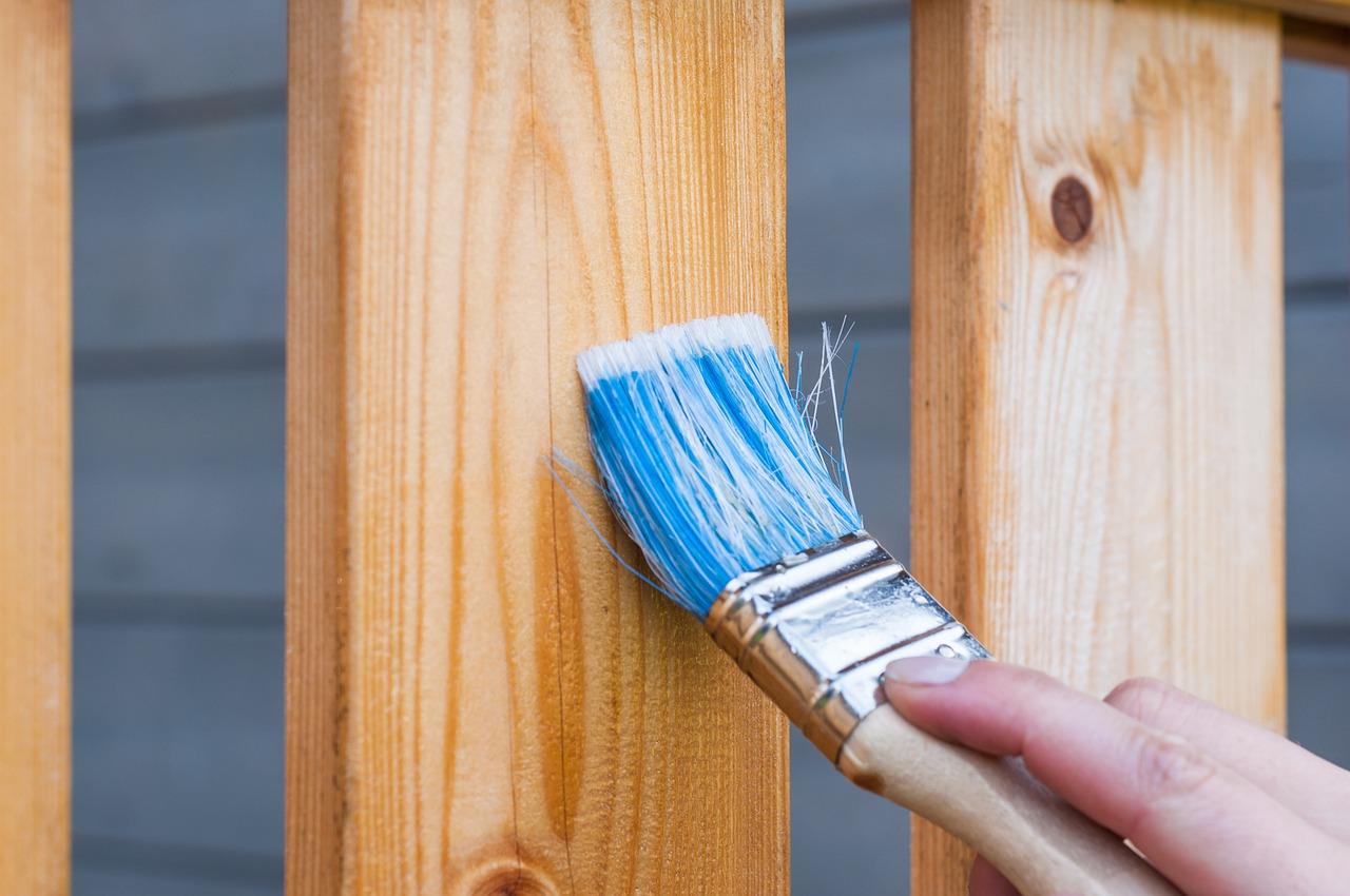 Des conseils pour l'entretien de vos menuiseries en bois